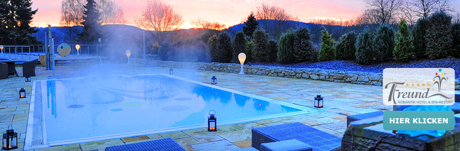 Wellness, Außenpool, Ruheliegen, Romantik Hotel Freund & SPA-Resort