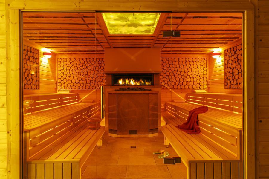 ringhotel zum stein wellnesshotel in w rlitz. Black Bedroom Furniture Sets. Home Design Ideas