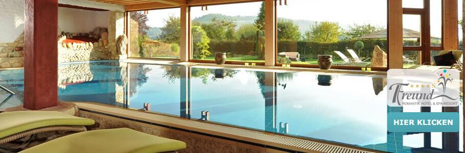 Wellness, Innenpool, Ruheliegen, Romantik Hotel Freund & SPA-Resort