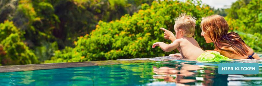 Wellness für junge Mütter, Pool, Kind, Baby
